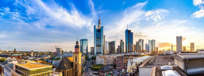 adac autovermietung frankfurt stadt panorama fotolia 103101431