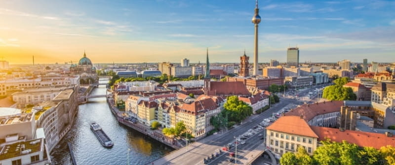 berlin stadt panorama spree fernsehturm fotolia 89734137